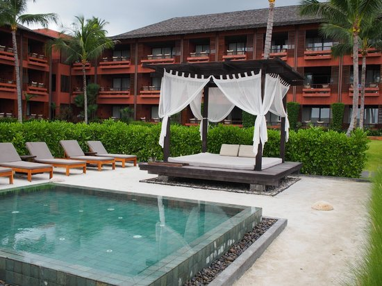 Hansar Samui Resort: View of the resort from the Pool Bar