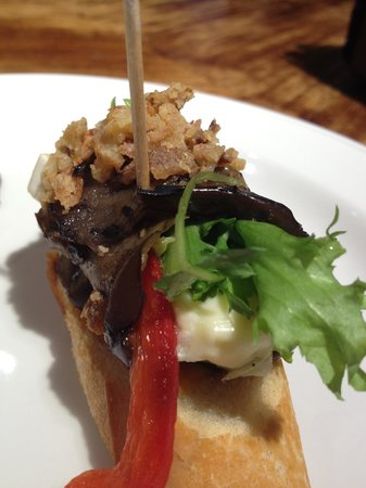 Atari Gastroteka: Roasted eggplant with red pepper, cheese and crispy shallots