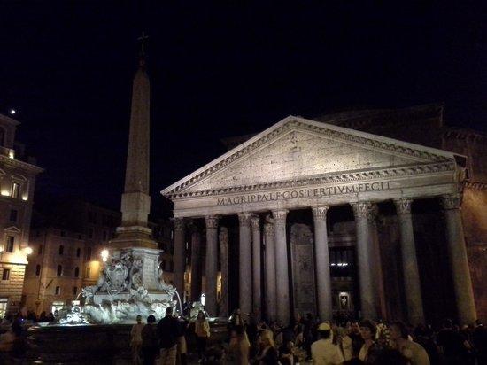 Rome Illuminated Guided Tours : my favorite bldg Panthenon