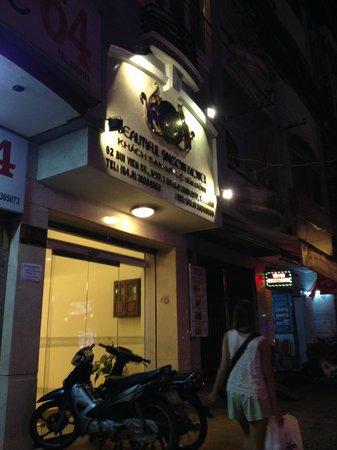 Beautiful Saigon Hotel : the hotel at night