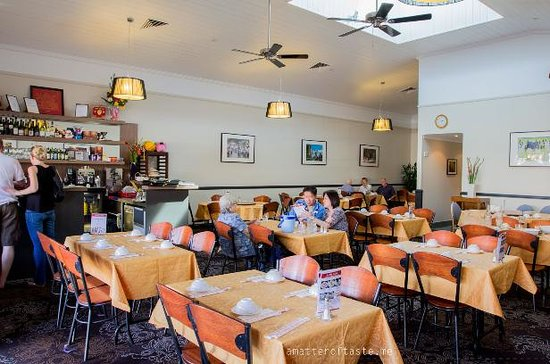 Sing Sing Chinese & Vietnamese Restaurant: Spacious and relaxing interior