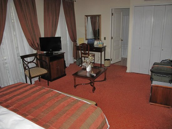 Hotel Orly: King room (#11)