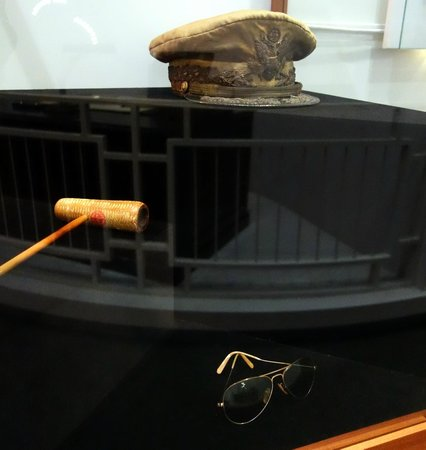 MacArthur Memorial: Famous Accessories