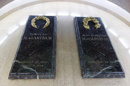 MacArthur Memorial: Mr. and Mrs. MacArthur