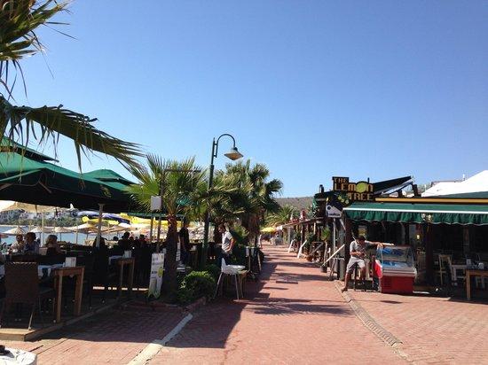 The cafe and restaurant along Bitez Beach
