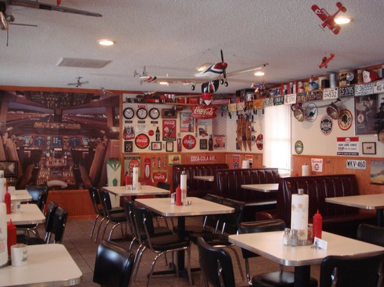 Big Boy's Barbeque: Our dining room seats 54