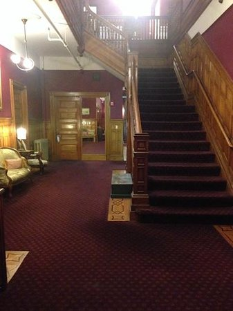 Queen Anne Hotel: stair case leading to rooms