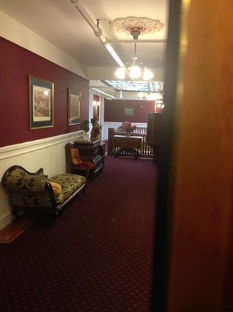 Queen Anne Hotel: another of the 4th floor