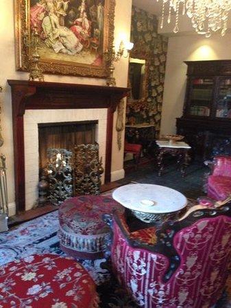 Queen Anne Hotel: the parlour