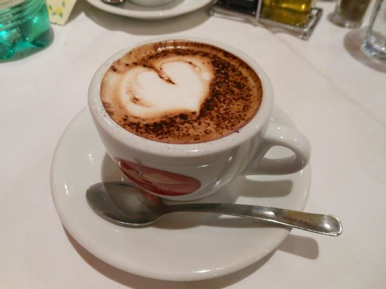 Hotel Abruzzi: Great cafe latte at the nearby cafe