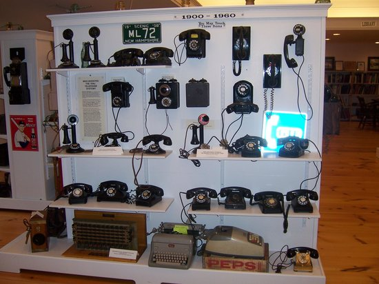 New Hampshire Telephone Museum: Phones
