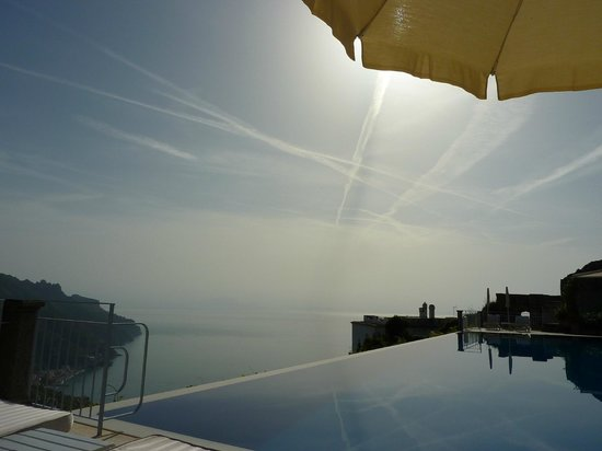Belmond Hotel Caruso : Endless Belvedere pool