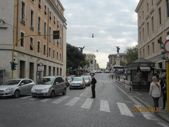 Federici Guest House: Streets just 2 minutes away .