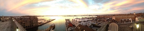 Wyndham Inn on the Harbor: Rooftop Sunset