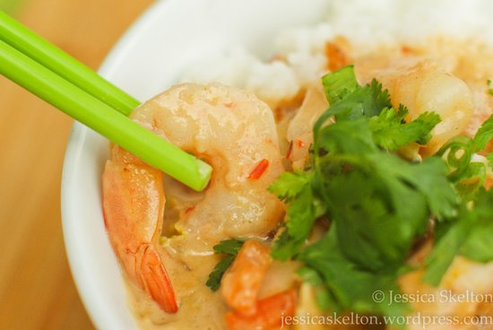 Gabriel's Gourmet Cafe: Malaysian peanut sauce with prawns on steamed rice
