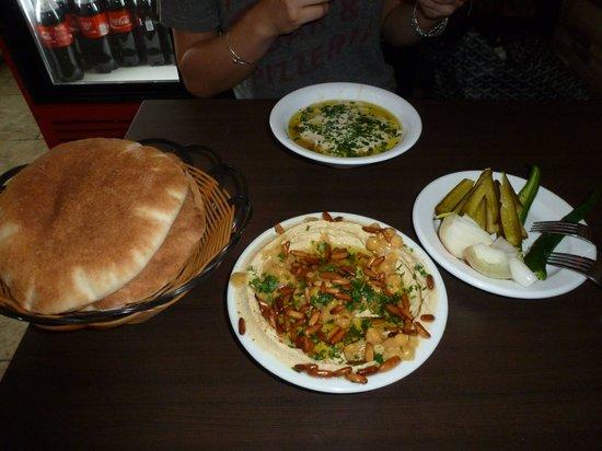 Lina Restaurant: billfoonman@yahoo.com