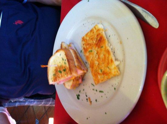 Beach Street Grill: Breakfast sandwich, half eaten