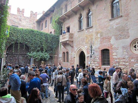 Il Sogno di Giulietta: So much crowd despite end of October.