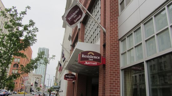 Residence Inn Denver City Center : Exterior , Champa Street Entrance