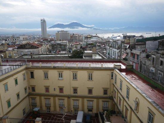 Bed and Breakfast La Concordia: mountain Vesuvius from Sivanah's apartment