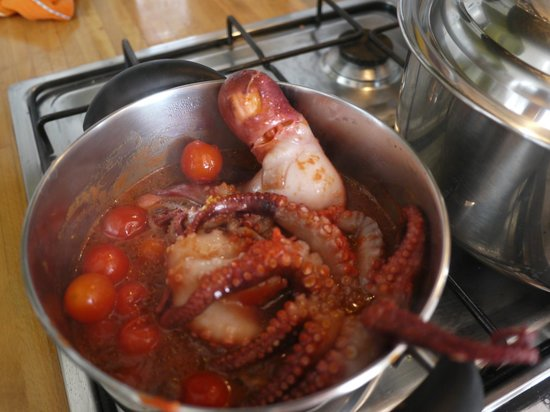 Bed and Breakfast La Concordia: fresh Octopus cooked with tomatoes