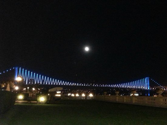 Ciragan Palace Kempinski Istanbul: View at night from the hotel