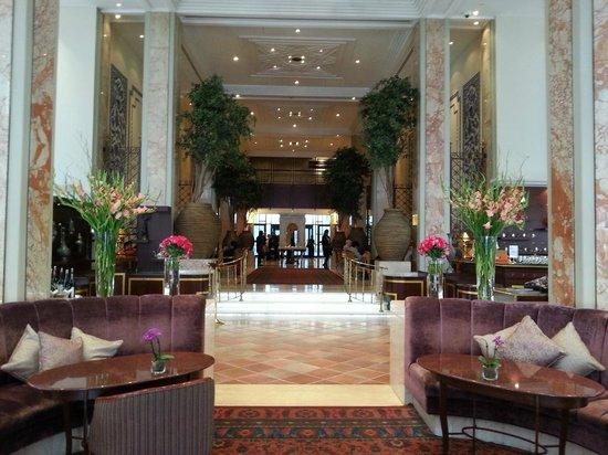 Ciragan Palace Kempinski Istanbul: Lovely lounge