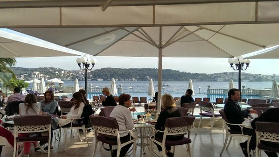 Ciragan Palace Kempinski Istanbul: Right on the Bhosphorus!