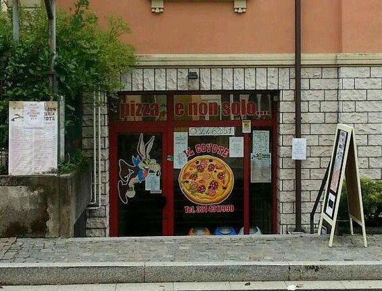 Porlezza, Włochy: Pizzeria Il Coyote