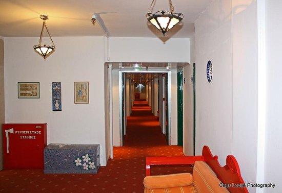 Dionysos Hotel: Gang 2e verdieping