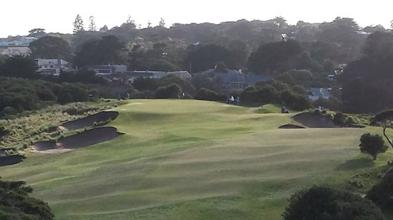 Mercure Portsea Golf Club and Resort: view of golf course from room