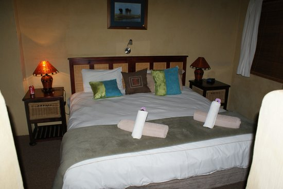 Elephants Footprint Lodge: Room