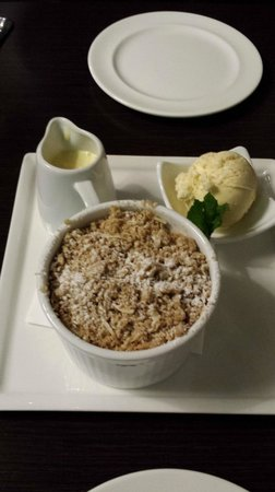 Pitches Store : Apple Crumble with Creme Anglais