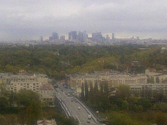 Pavillon Henri IV : View towards Paris