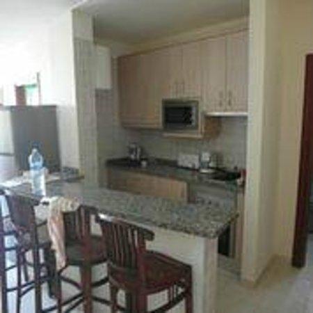 Paradise Court Aparthotel : Кухня