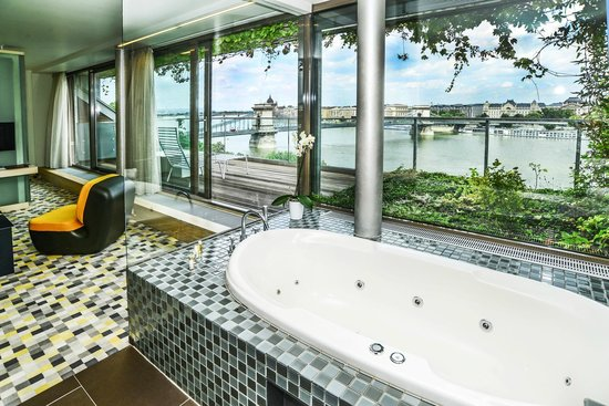 Lanchid 19 Hotel: Panorama suite overlooking the Danube