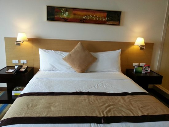 Luxent Hotel: King size bed