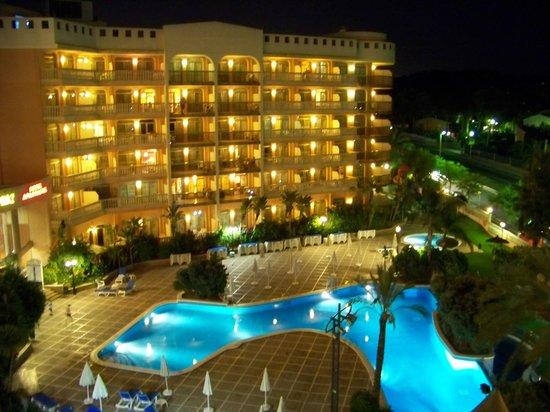 Hotel-Aparthotel Dorada Palace : By Night