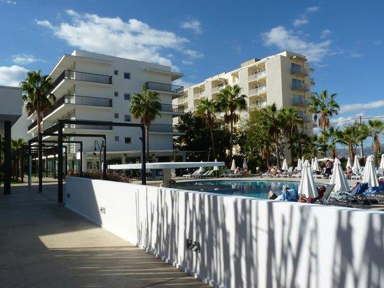 Hotel JS Palma Stay: Pool and Bar