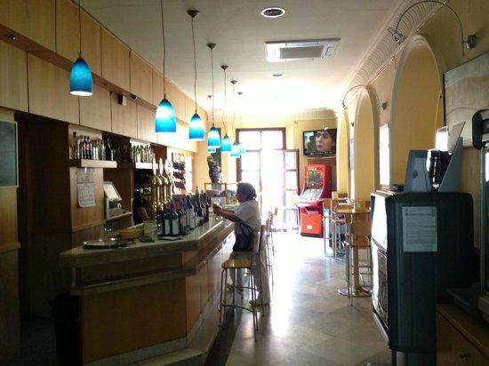 Restaurante Cafe-Bar Liceo Accitano: BARRA