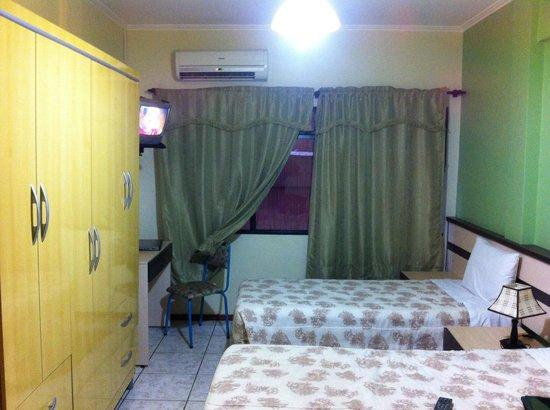 Hotel Flor Foz : Quarto triplo