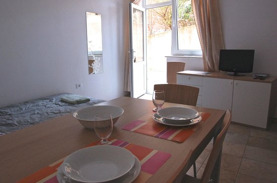 Apartments Lucija : Studio for 2