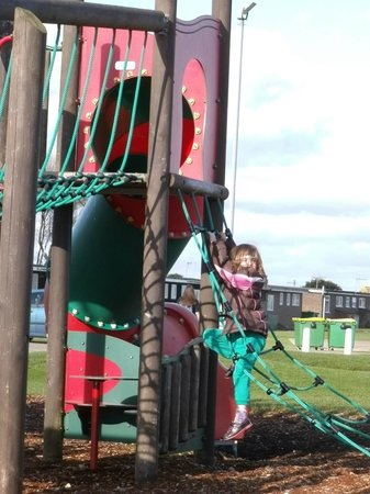 Romney Sands Holiday Park - Park Resorts: Good play park and crazy golf