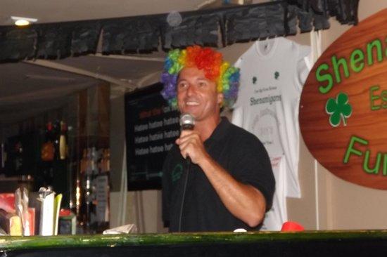 Shenanigans Irish Entertainment Bar Playa del Ingles : DJ Matt