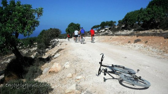 Zephyros Adventure Sports: Mountain biking in Cyprus. The Akamas Park.
