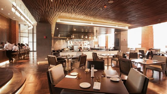 French Grill : The largest open kitchen in Hanoi