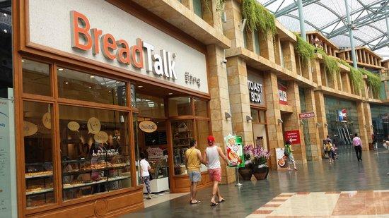 Resorts World Sentosa - Festive Hotel: restaurants