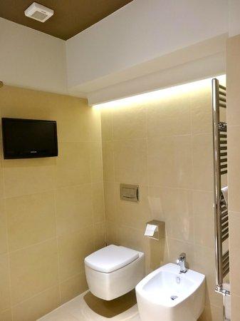 Villa dei Platani Boutique Hotel & Spa: tv in bagno