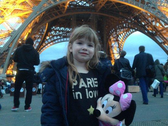 Hotel California Paris Champs Elysees: Paris in Love.