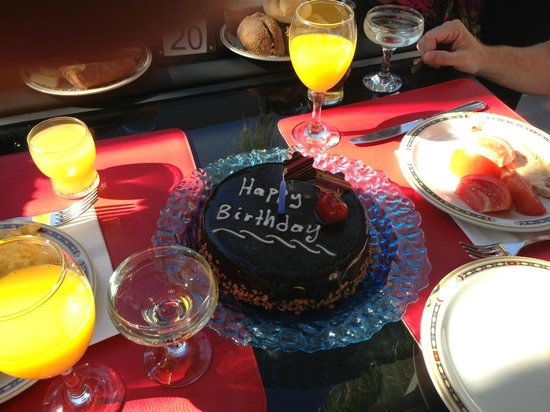 Out of the Blue Capsis Elite Resort: b'day cake